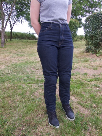 in-search-for-the-perfect-jeans_02