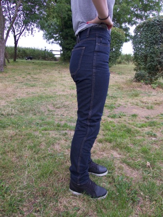 in-search-for-the-perfect-jeans_03